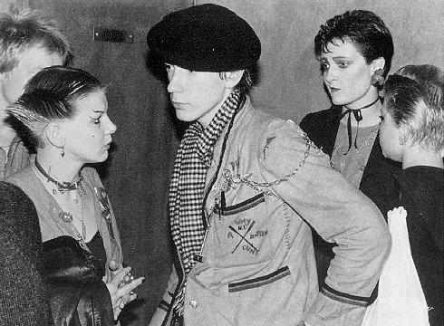 Paul Cook, Sue Catwoman, John Lydon, Siouxsie Sioux, Debbie Wilson